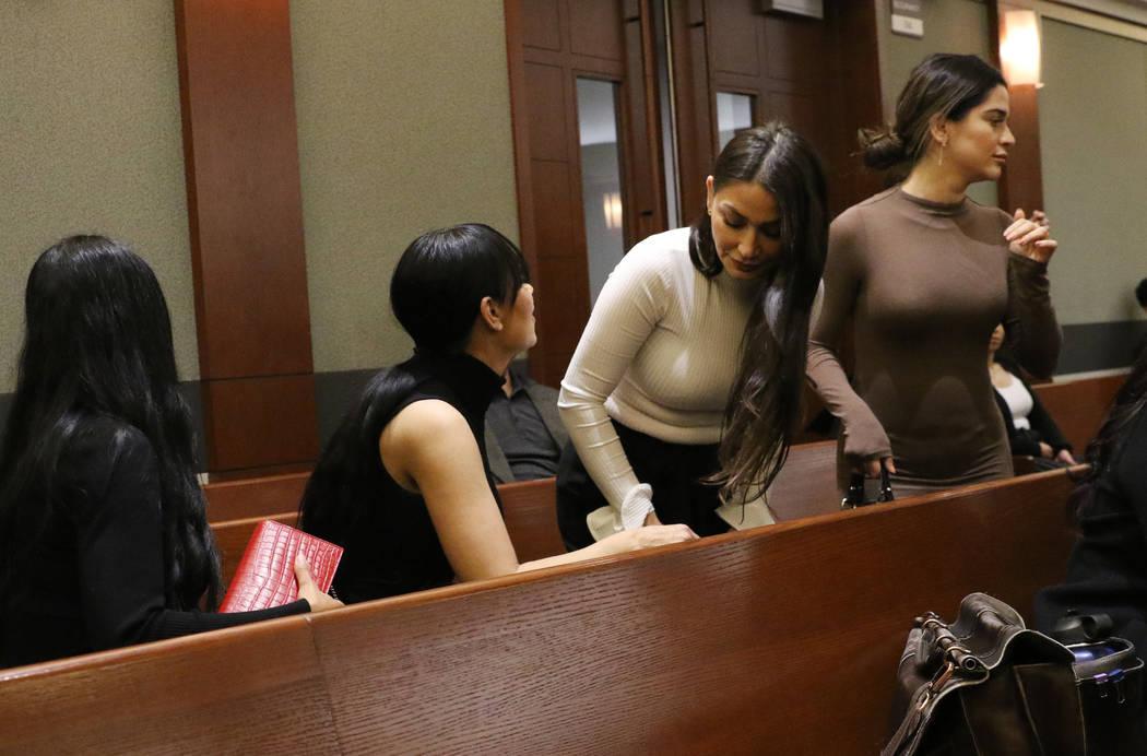 Cuatro mujeres, acusadas de un ataque en el Cosmopolitan, entran a su audiencia en el Centro de ...