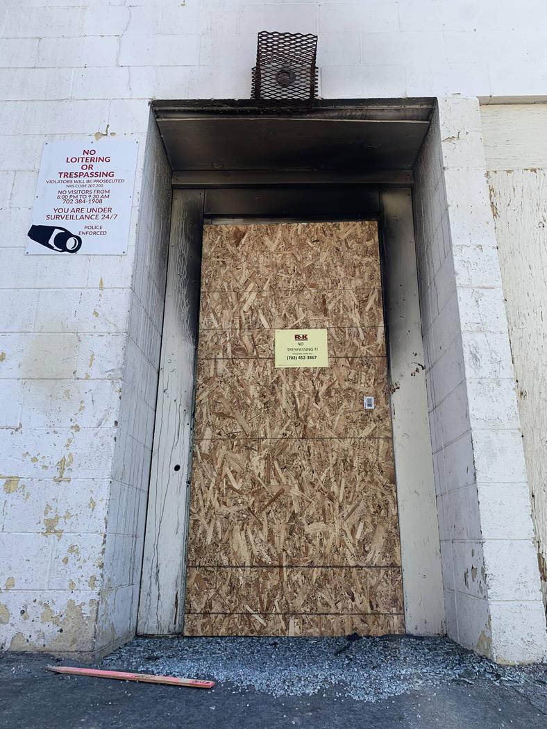 La puerta trasera de los Alpine Motel Apartments fotografiada el jueves, 9 de enero de 2020, en ...