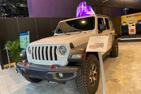"""Una Jeep Wrangler equipada con la tecnología de detección de vida """"SOLO"""" de Voxx Internatio ..."""