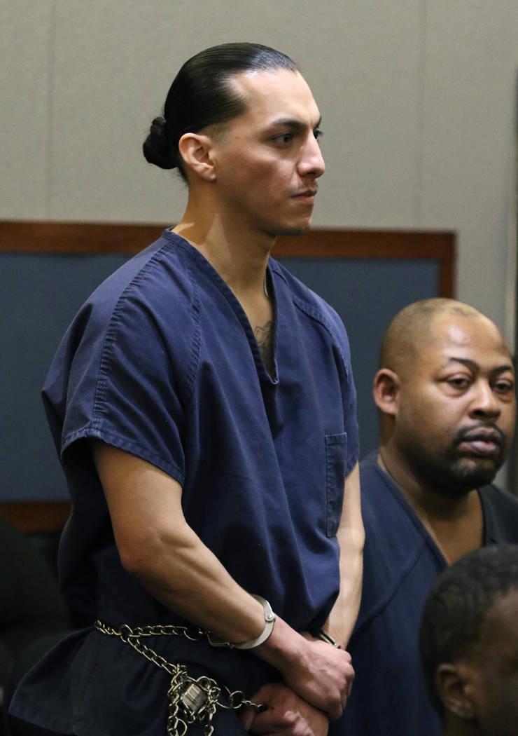 Francis Carbajal, de 31 años, uno de los hombres acusados de embestir coches de policía, se p ...