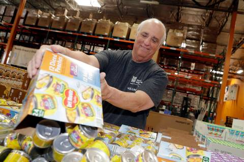 Three Square actualmente proporciona más de 41 millones de comidas, el equivalente a más de 5 ...