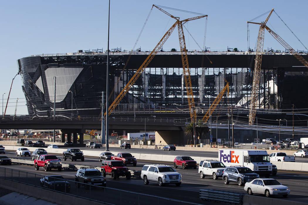 Una vista del Estadio Allegiant a medida que su construcción avanza en Las Vegas el lunes, 13 ...