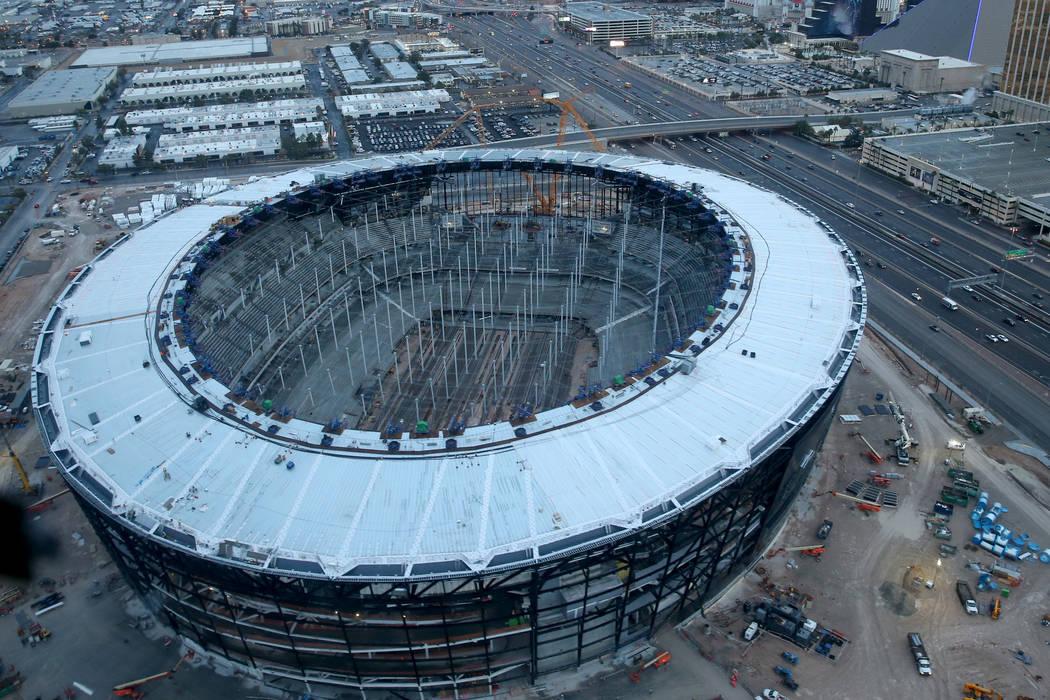 Estadio Allegiant en construcción el viernes, 27 de diciembre de 2019. (K.M. Cannon/Las Vegas ...