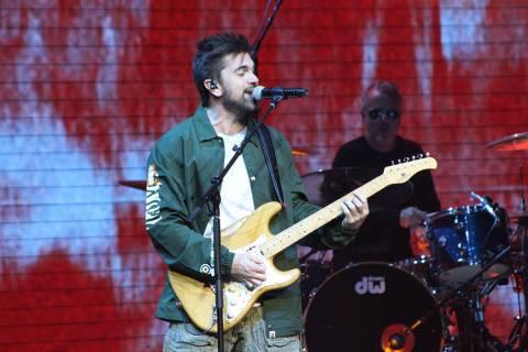 """ARCHIVO.- Juanes ha podido superar su éxito """"La camisa negra"""" del 2004 y se mantiene vigen ..."""