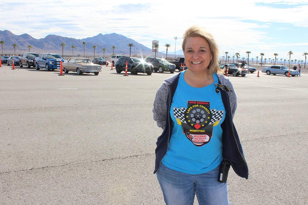Paulette Anderson, directora, dijo que atendieron a mil autos inscritos. Speedway Children's ...