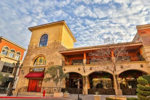 El exterior de El Dorado Cantina en Tivoli Village. (Edison Graff/Stardust Fallout Media)