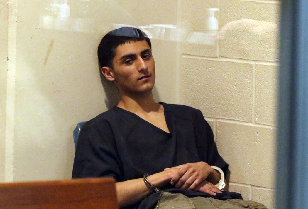 Christopher Valenzuela-Olivas se presenta en la corte en el Centro Regional de Justicia el juev ...