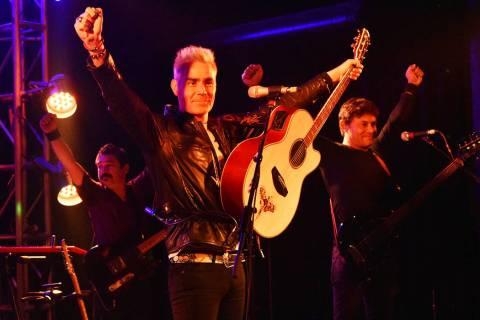 Los mexicanos de La Gusana Ciega ofrecieron un atractivo concierto en el centro de Las Vegas. J ...
