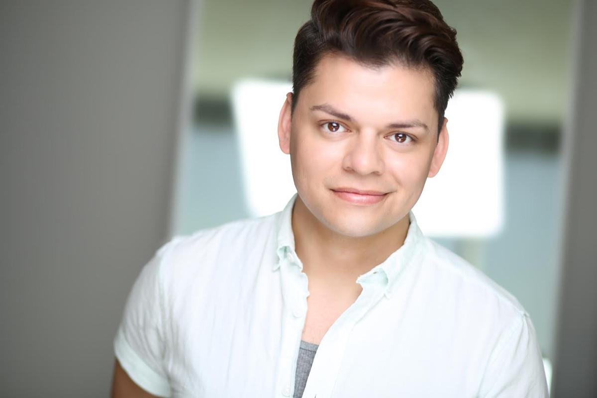 """El actor de ascendencia mexicana y española, John Cárdenas, es parte del elenco de """"The Spo ..."""