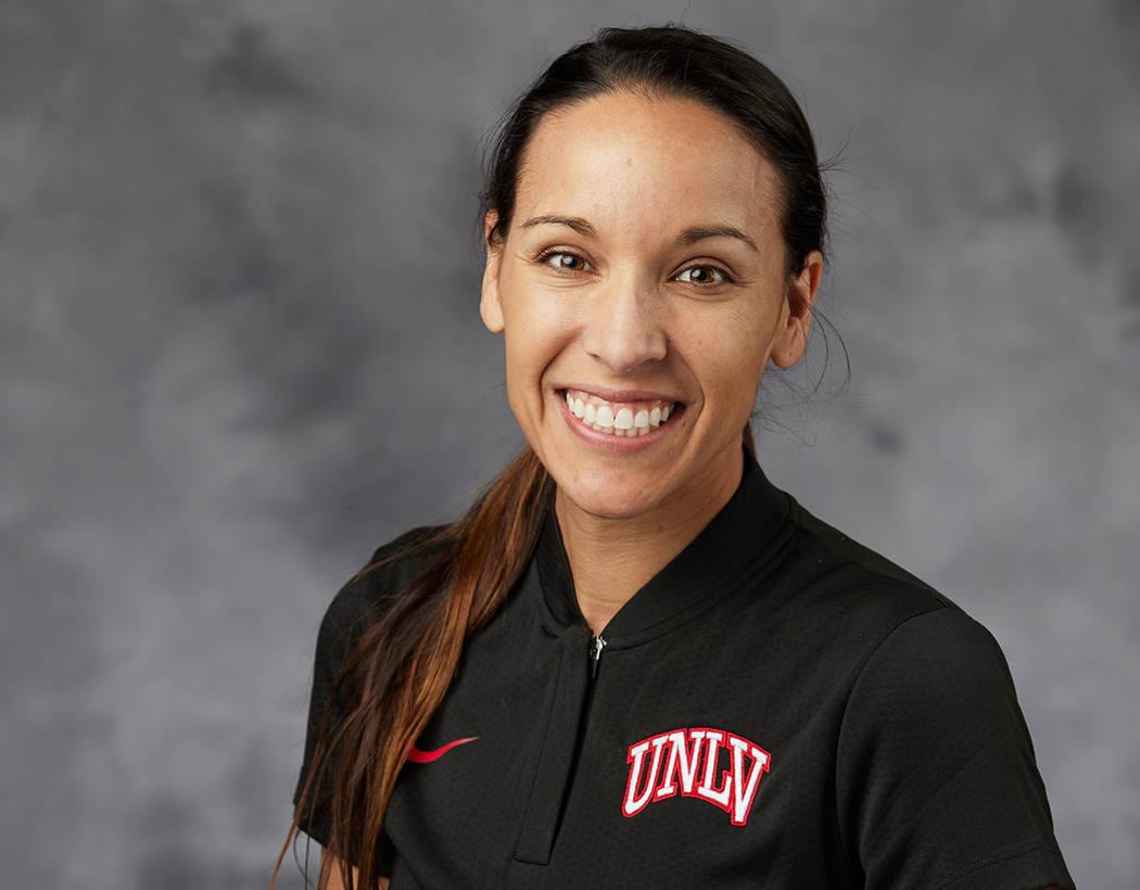 La ex-futbolista profesional Jenny Ruíz-Williams fue nombrada como nueva entrenadora del equip ...