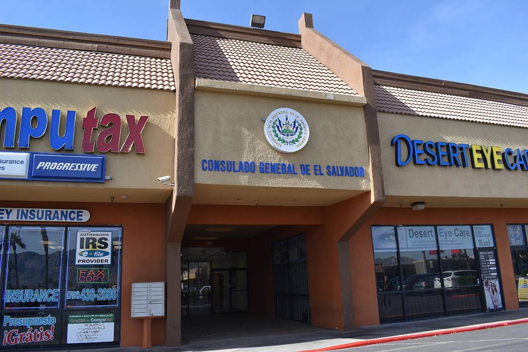 Consulado General de El Salvador en Las Vegas, Nevada. Viernes 31 de enero de 2020. Foto Frank ...