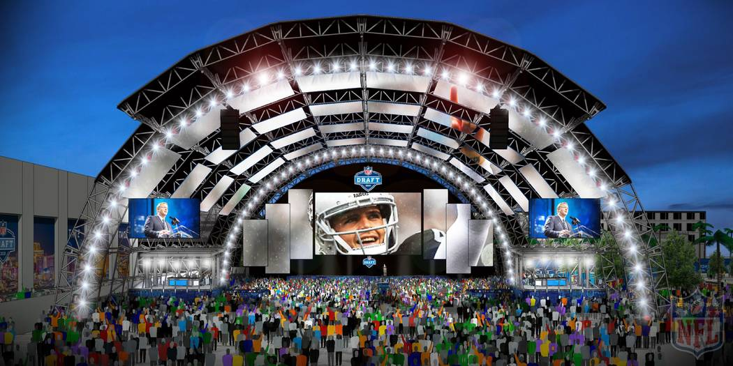 El escenario principal del Draft de la NFL planeado en el Caesars Forum junto al Linq en Las Ve ...