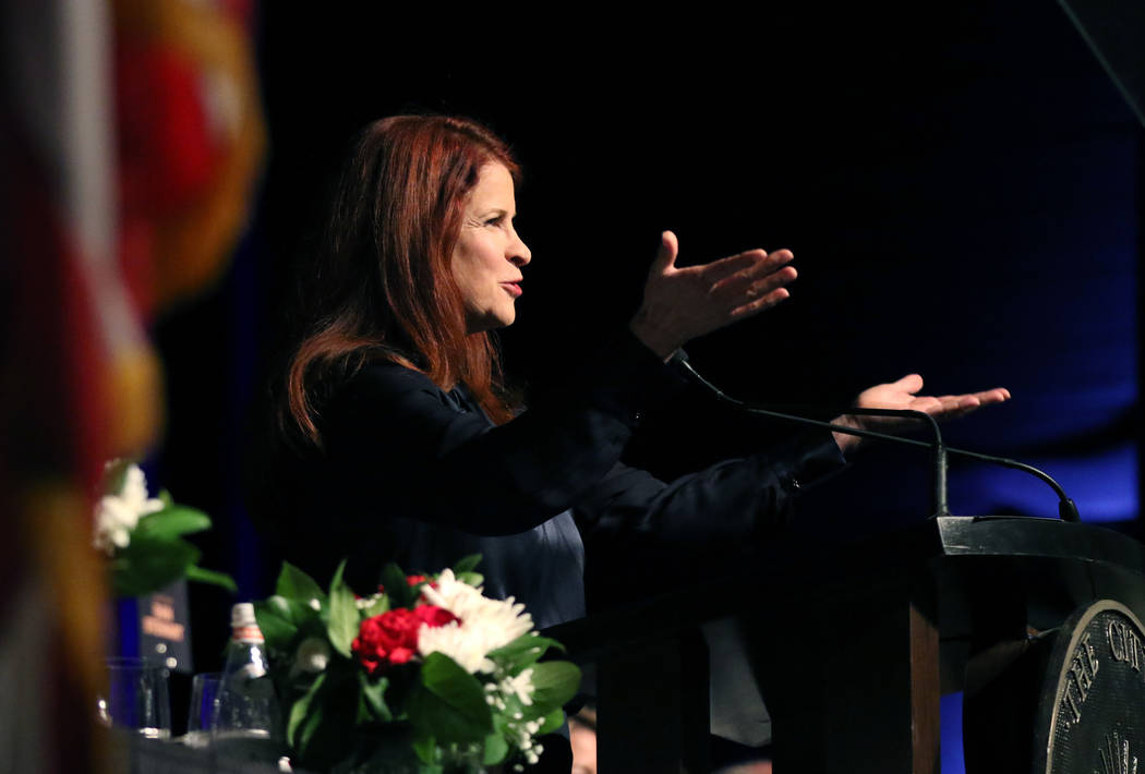La alcaldesa de Henderson, Debra March, da su discurso anual sobre el estado de la ciudad el ju ...