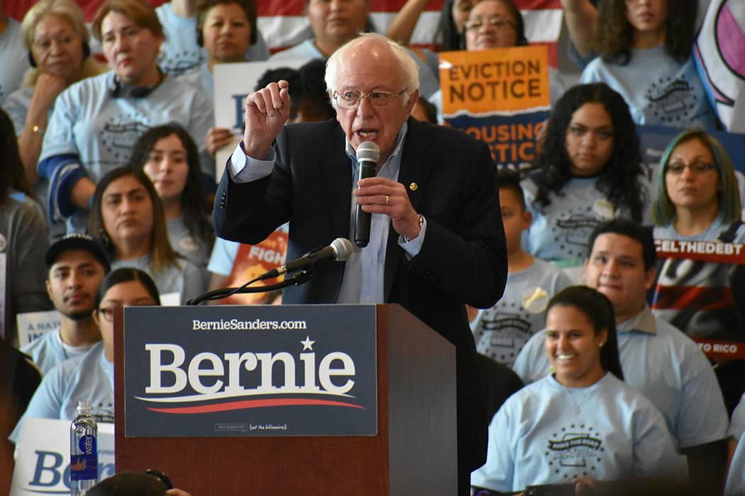 Antes de la marcha, Bernie Sanders habló en un mitin de campaña. Sábado 15 de febrero de 202 ...