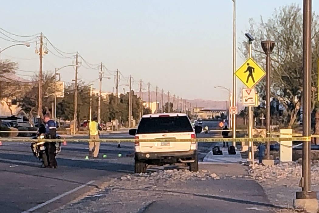 La policía de North Las Vegas investiga después de un accidente en las carreteras de Lone Mou ...