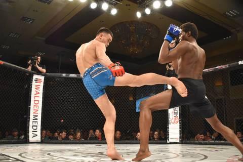 Joe Hurst ganó a Diego Vázquez por KO y es el nuevo campeón de peso semipesado. Otros como B ...