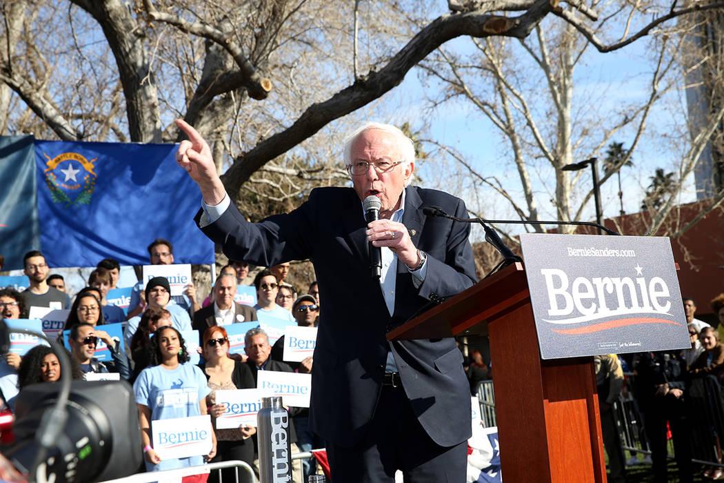 """El senador de Vermont, Bernie Sanders, durante un rally """"Get Out the Early Vote"""" en el Academic ..."""
