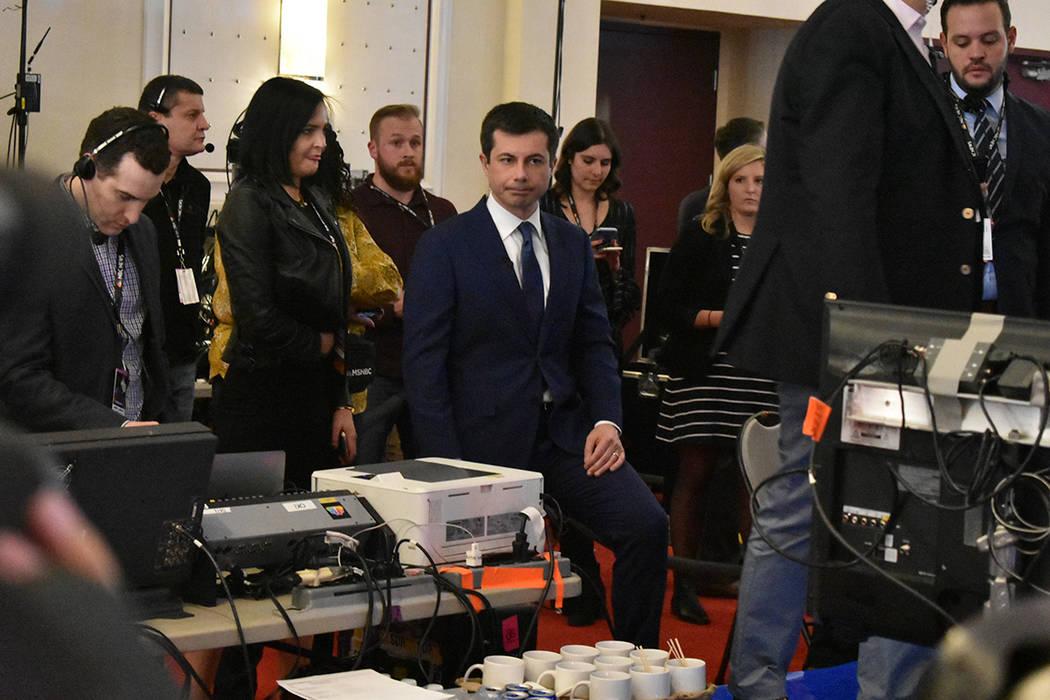 Fueron pocos los aspirantes que acudieron a la sala de prensa para realizar enlaces con la tele ...