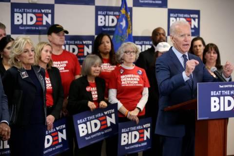 El ex vicepresidente y candidato presidencial demócrata, Joe Biden, habla en el Centro Comunit ...