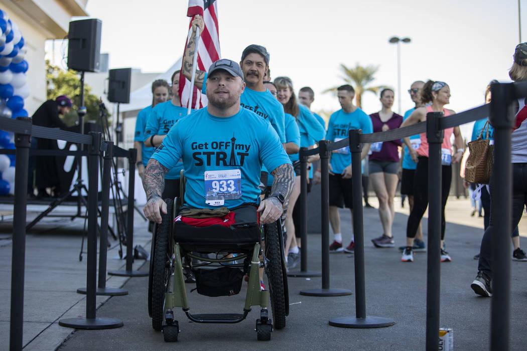 Travis Strong, un veterano que perdió ambas piernas en Bagdad, se prepara para subir los mil 4 ...