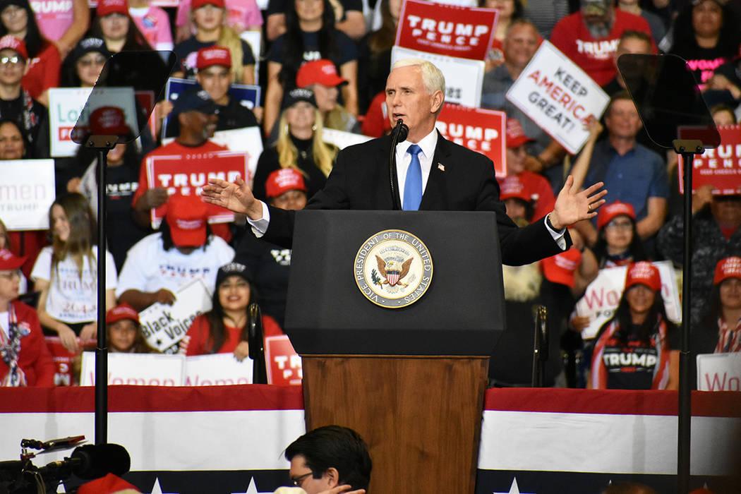 El vicepresidente Mike Pence aseguró que el debate demócrata favoreció al presidente Trump. ...