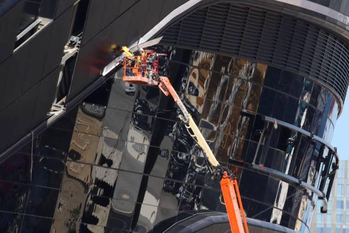 La construcción continúa en el Estadio Allegiant el miércoles, 26 de febrero de 2020, en Las ...
