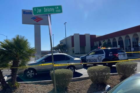 La policía de Las Vegas investiga un tiroteo el jueves por la tarde en el sudeste de Las Vegas ...
