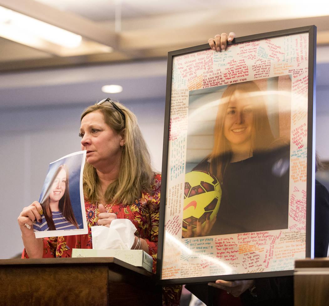 Rhonda Hawley, madre de Brooke Hawley, da su declaración el jueves, 27 de febrero de 2020, en ...