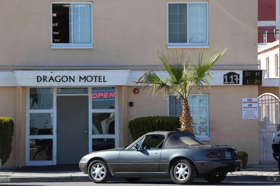 En 2004, Adolfo Orozco compró su primera propiedad en Nevada, el Dragon Motel en el centro de ...