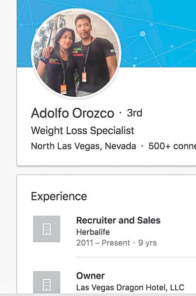 """Fuera de los bienes raíces, Adolfo Orozco también trabaja como """"especialista en pérdida de p ..."""
