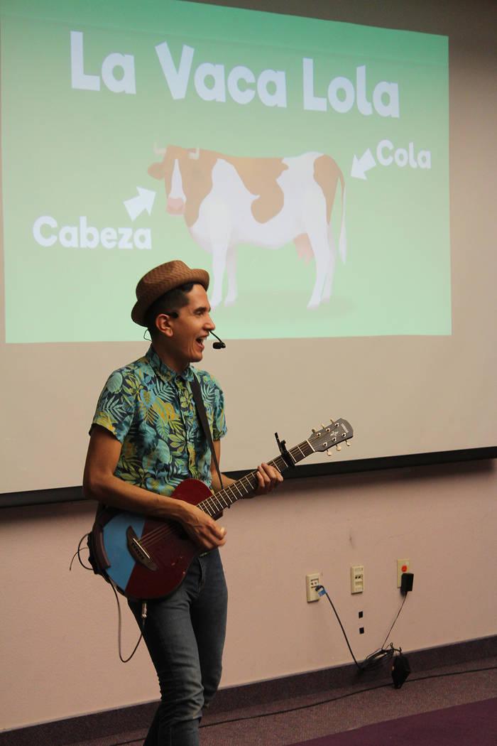 """""""La vaca Lola"""" y canciones originales son parte de los conciertos de los colombianos. Marte ..."""