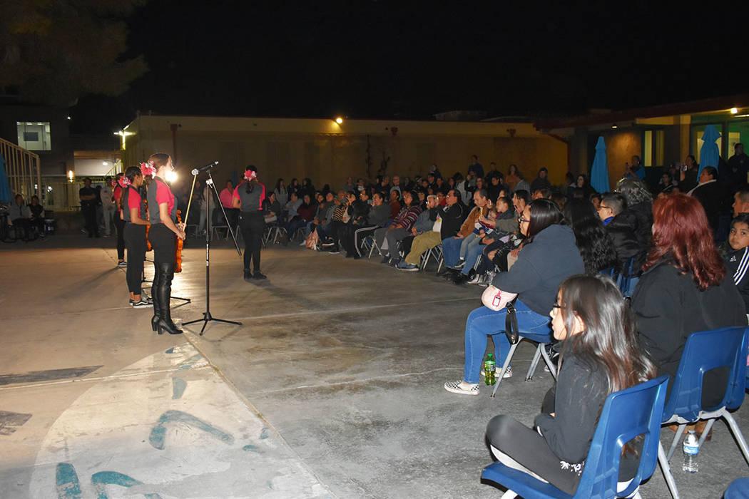 Las estudiantes del Mariachi Femenil Internacional deleitaron a los asistentes con canciones me ...