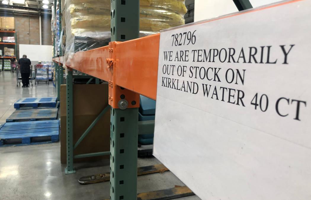 Un pasillo vacío de aguas embotelladas en una tienda de Costco en Henderson el lunes, 2 de mar ...