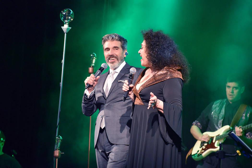Las superestrellas de la música latina -de origen argentino- Amanda Miguel y Diego Verdaguer r ...