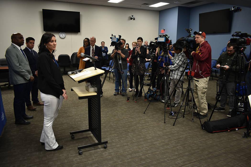 La supervisora del SNHD, Kimberly Hertin, recordó las medidas que se deben tomar para reducir ...