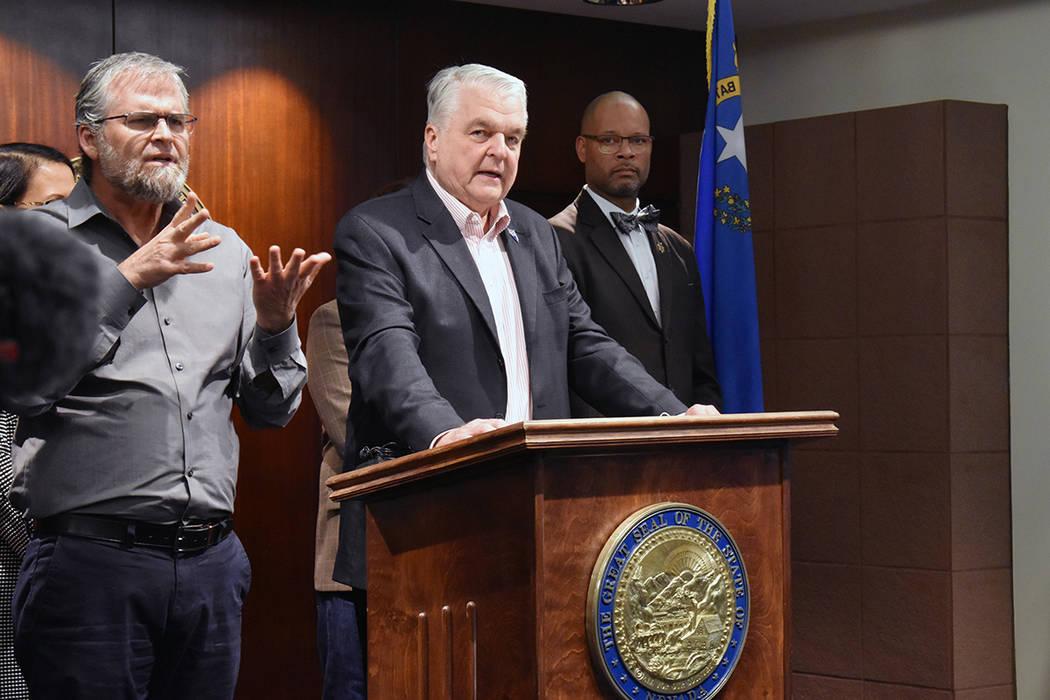 El gobernador de Nevada, Steve Sisolak, emitió una Declaración de Emergencia, amparado en el ...