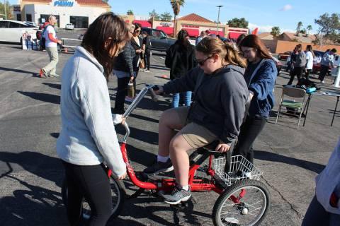Las bicicletas se adaptan al peso, estatura y condición del usuario. Sábado 14 de marzo de 20 ...