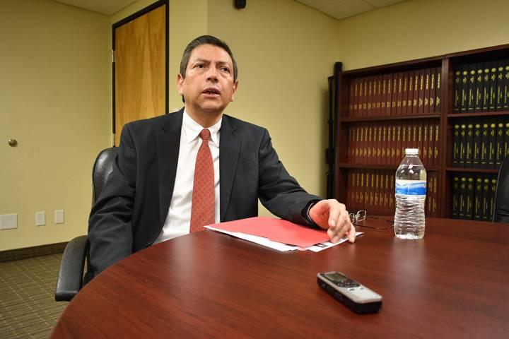 Emb. Alejandro Madrigal, invita a sus connacionales radicados en Nevada a participar en el Cens ...
