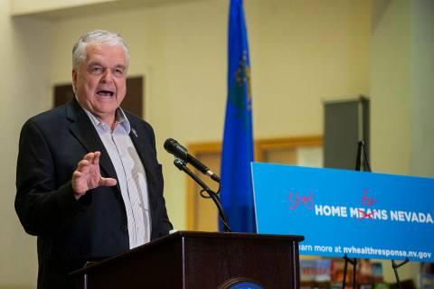 ARCHIVO.- El gobernador Steve Sisolak habla durante una conferencia de prensa para anunciar el ...