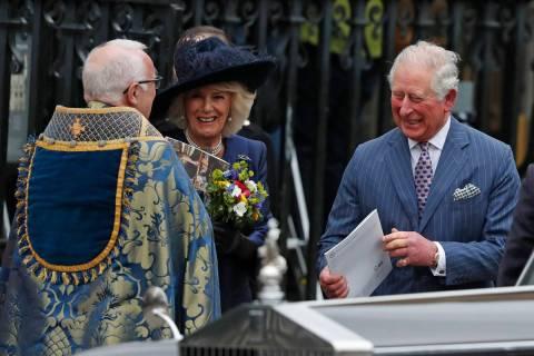 El Príncipe Carlos de Inglaterra y Camilla, Duquesa de Cornualles, se retiran después de asis ...