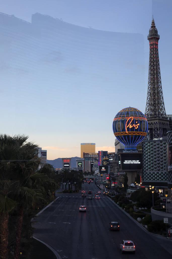 El Strip el martes, 24 de marzo de 2020, en Las Vegas. (Ellen Schmidt/Las Vegas Review-Journal) ...