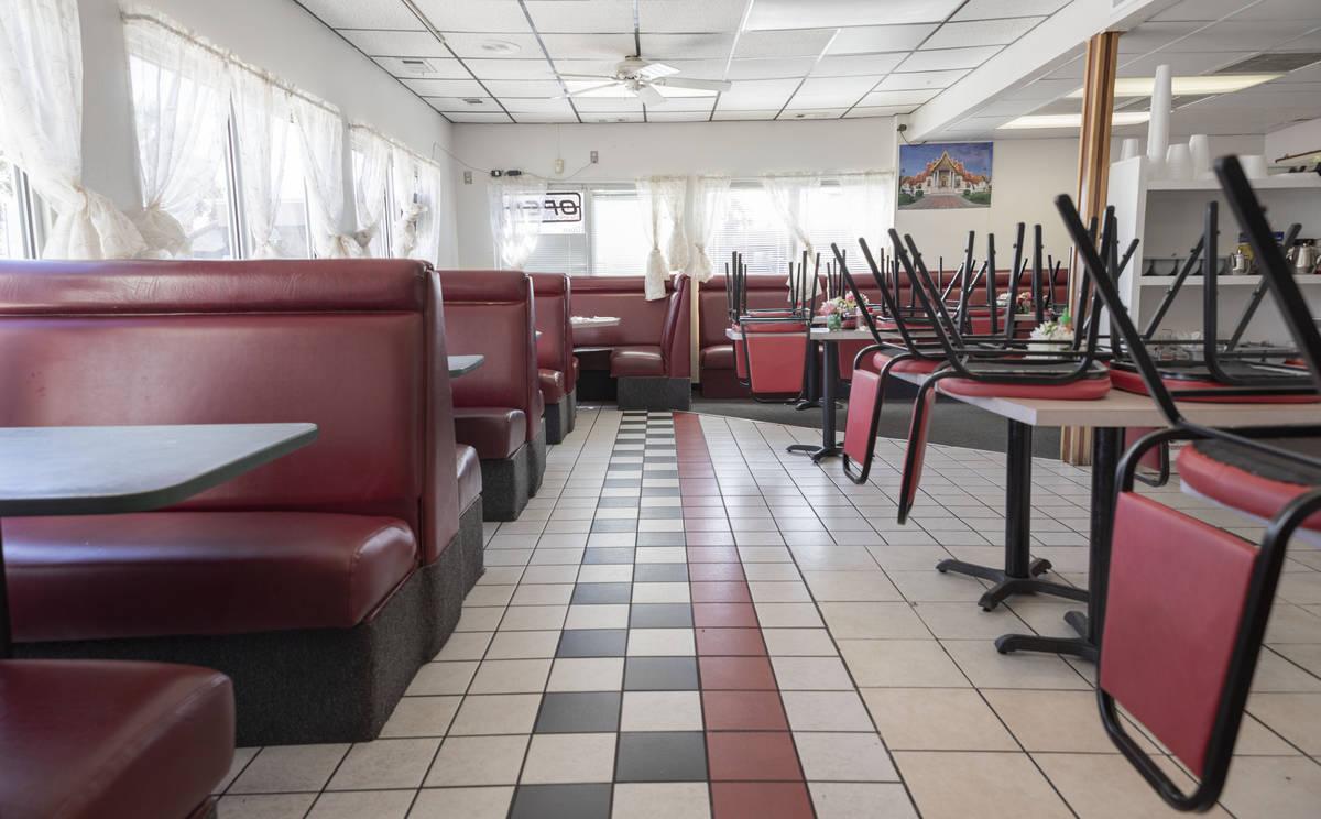 El restaurante Thai House se ve desocupado en Mesquite el martes, 24 de marzo de 2020. (Elizabe ...