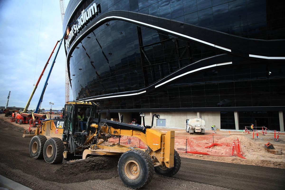 El sitio de construcción del Raiders Allegiant Stadium en Las Vegas el miércoles, 18 de marzo ...