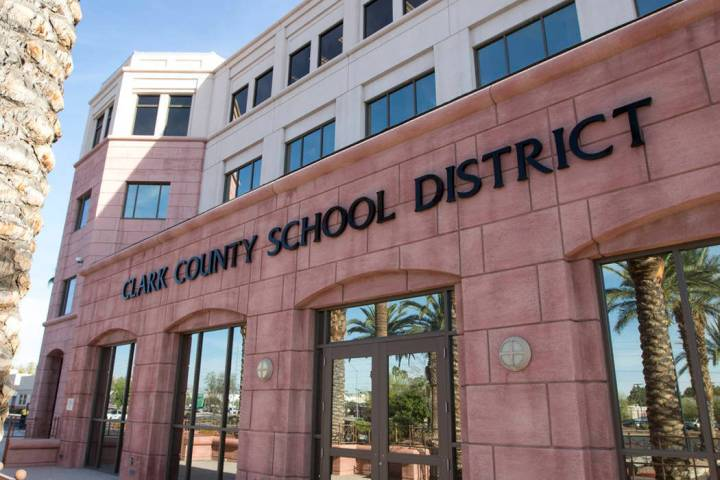 El edificio de administración del Distrito Escolar del Condado Clark en el 5100 W. Sahara Ave. ...