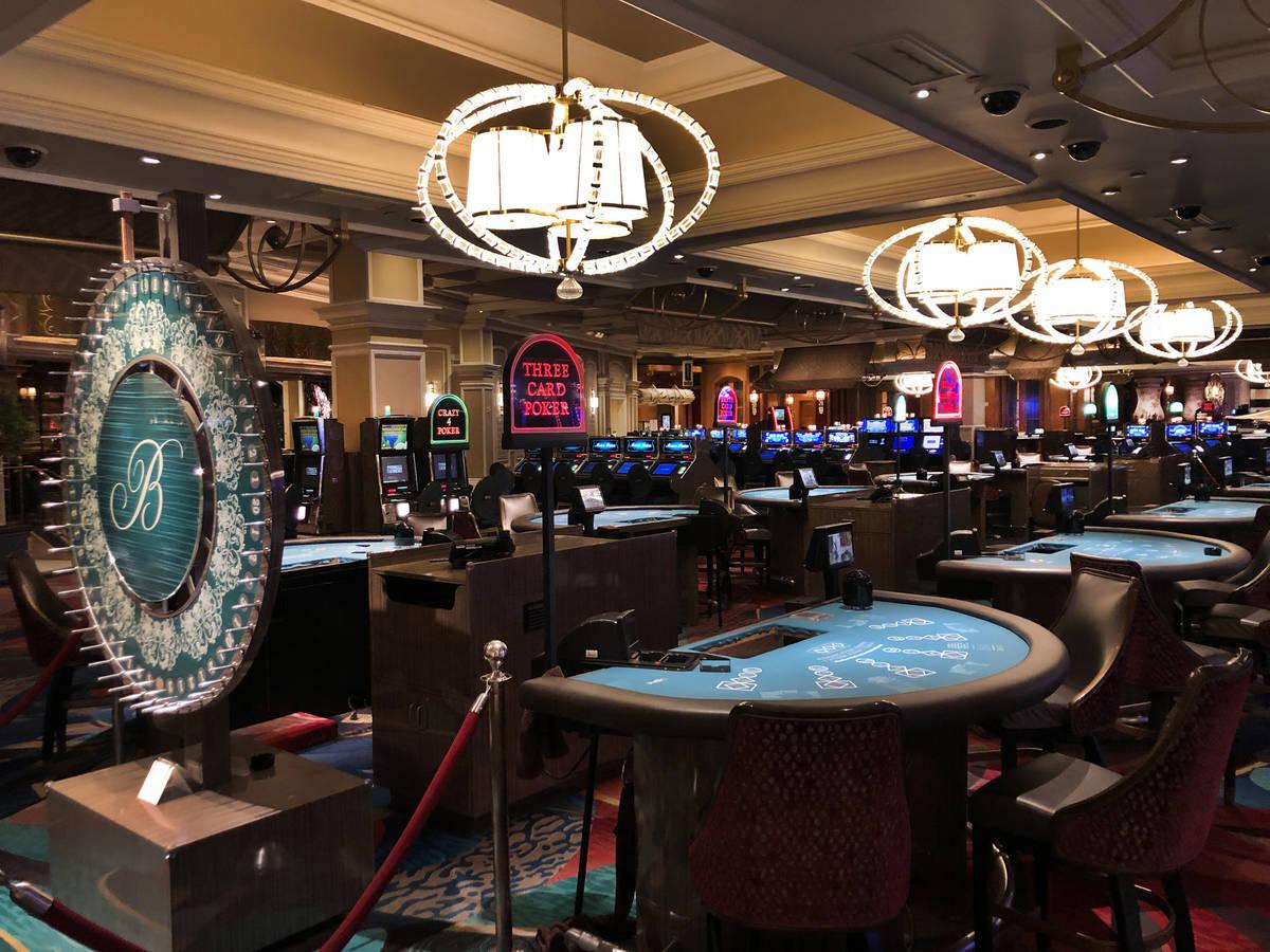Los juegos de mesa cerrados en el Bellagio mientras MGM se prepara para cerrar sus operaciones ...