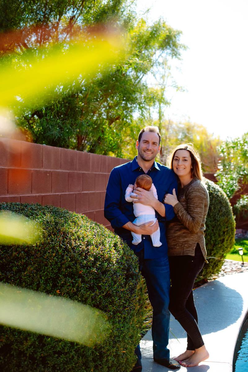Lucy Hollander dio a luz a su hija el 30 de enero, poco antes de que se aplicaran las restricci ...