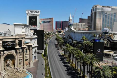 Una foto aérea del Strip de Las Vegas después de que todos los casinos de Las Vegas fueron ce ...