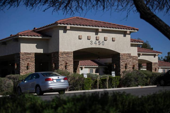 Silver Hills Health Care Center el miércoles, 15 de abril de 2020 en Las Vegas. (Benjamin Hage ...