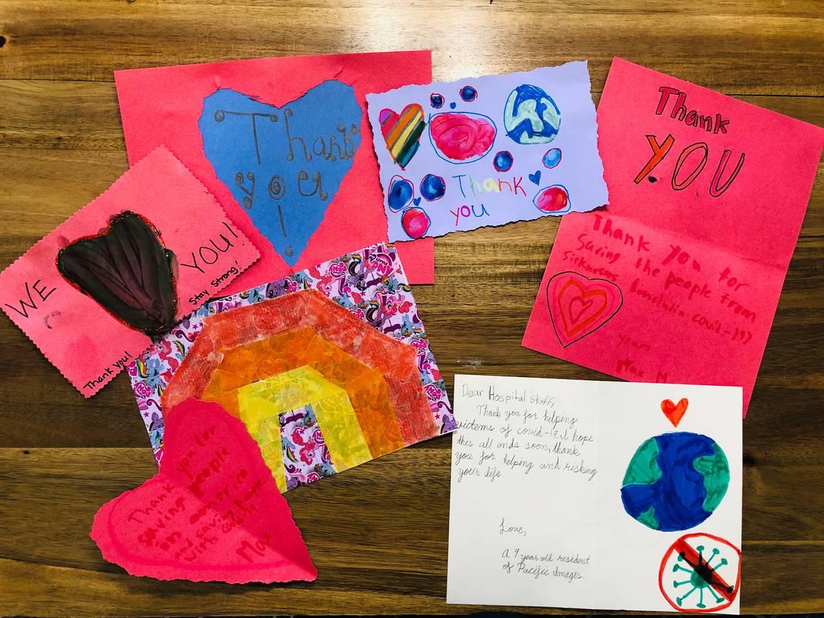 Melissa Montiel invitó a amigos y vecinos a formar parte de un proyecto para hacer tarjetas de ...