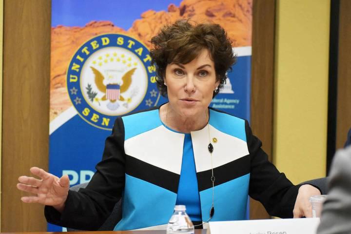 Archivo.- La senadora por Nevada Jacky Rosen, sostuvo una mesa redonda con destacados miembros ...